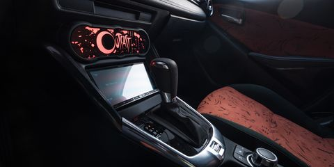 Motor vehicle, Automotive design, Personal luxury car, Center console, Luxury vehicle, Steering part, Steering wheel, Gear shift, Carbon, Supercar,