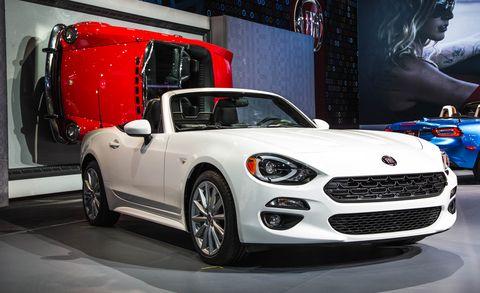 Motor vehicle, Tire, Automotive design, Vehicle, Automotive lighting, Headlamp, Automotive mirror, Car, Alloy wheel, Hood,