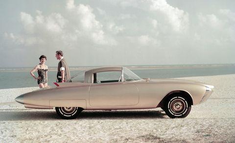 Tire, Wheel, Automotive design, Vehicle, Land vehicle, Classic car, Vehicle door, Car, Automotive wheel system, Fender,