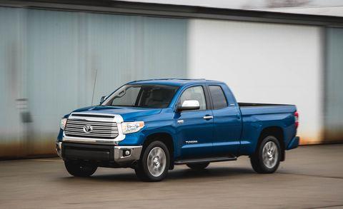 Tire, Wheel, Motor vehicle, Automotive tire, Automotive design, Vehicle, Land vehicle, Pickup truck, Truck, Hood,