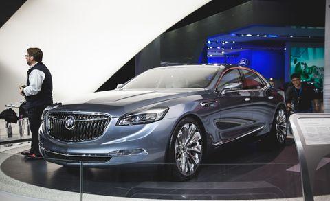 Wheel, Tire, Automotive design, Vehicle, Land vehicle, Grille, Car, Personal luxury car, Luxury vehicle, Exhibition,