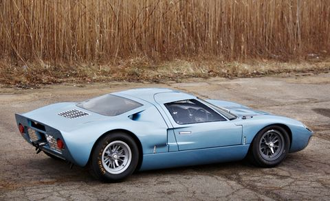 This Classic Ford GT40 Road Car Is Heading to Auction – News