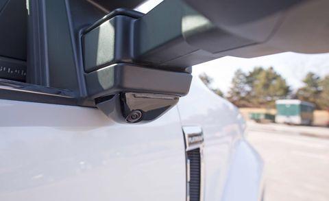 Motor vehicle, Mode of transport, Automotive design, Automotive exterior, Automotive mirror, Fender, Automotive side-view mirror, Vehicle door, Bumper, Rear-view mirror,
