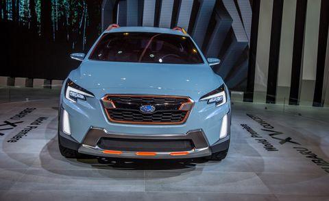 Motor vehicle, Automotive design, Vehicle, Automotive lighting, Grille, Headlamp, Car, Full-size car, Glass, Automotive fog light,