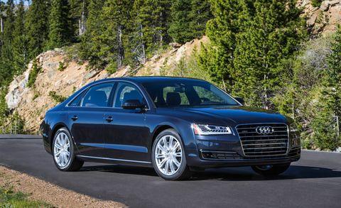Tire, Automotive design, Vehicle, Rim, Car, Grille, Alloy wheel, Spoke, Personal luxury car, Automotive parking light,
