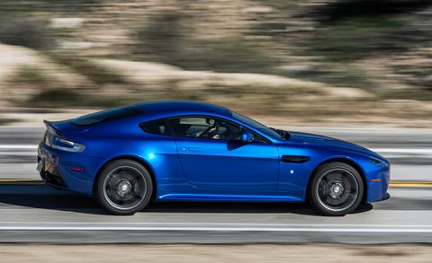 Tire, Wheel, Automotive design, Blue, Vehicle, Performance car, Rim, Car, Alloy wheel, Sports car,