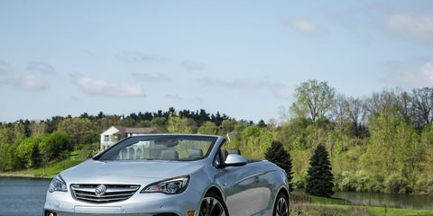 Land vehicle, Vehicle, Car, Mid-size car, Automotive design, Personal luxury car, Executive car, Sedan, Rim, Family car,