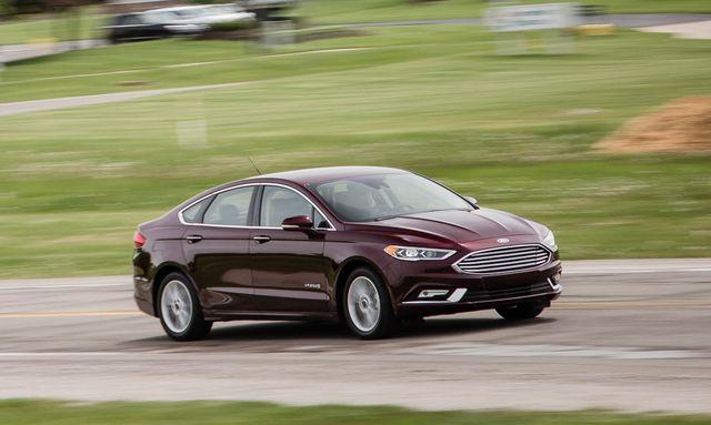 automotive design, vehicle, land vehicle, car, automotive tire, alloy wheel, automotive mirror, rim, full size car, mid size car,