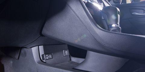 Vehicle door, Luxury vehicle, Car seat, Car seat cover, Personal luxury car, Carbon, Leather, Automotive door part,