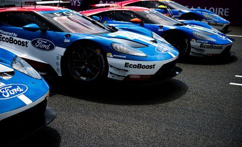 Tire, Wheel, Automotive design, Vehicle, Performance car, Automotive exterior, Car, Motorsport, Fender, Race car,