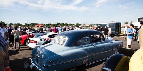Motor vehicle, Automotive design, Vehicle, Land vehicle, Automotive exterior, Classic car, Car, Antique car, Classic, Vehicle door,