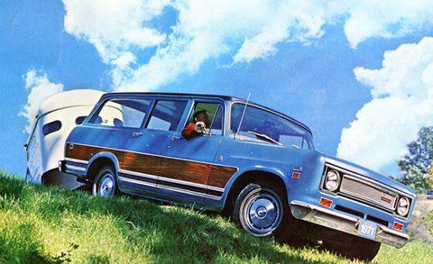 Automotive design, Vehicle, Land vehicle, Cloud, Automotive exterior, Automotive parking light, Car, Fender, Classic car, Rim,