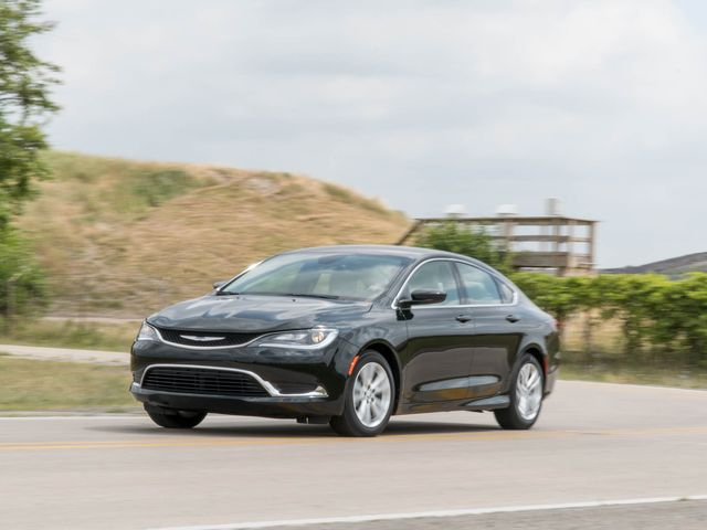 Chrysler 200 Wikipedia >> Chrysler 200 Review Pricing And Specs