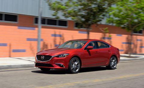 Tire, Automotive design, Vehicle, Car, Rim, Performance car, Alloy wheel, Automotive lighting, Grille, Mid-size car,