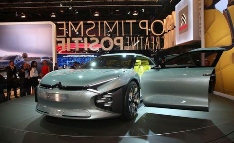 Motor vehicle, Tire, Automotive design, Event, Vehicle, Land vehicle, Car, Auto show, Exhibition, Performance car,