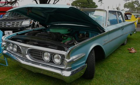 Motor vehicle, Vehicle, Land vehicle, Automotive exterior, Hood, Car, Vehicle door, Classic car, Fender, Classic,