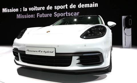 Automotive design, Vehicle, Land vehicle, Car, Automotive lighting, Performance car, Headlamp, Bumper, Fender, Sports car,