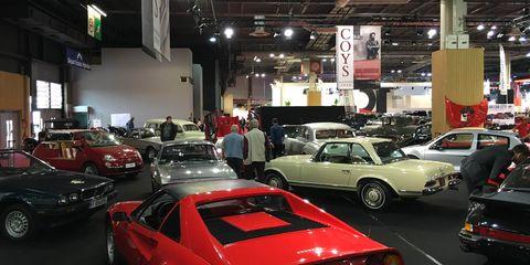 Land vehicle, Vehicle, Car, Automotive parking light, Classic car, Personal luxury car, Performance car, Automotive lighting, Sports car, Luxury vehicle,