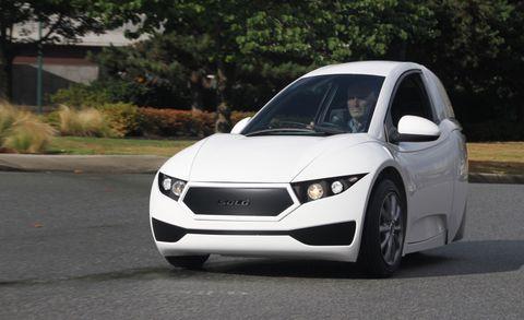 Motor vehicle, Tire, Automotive design, Mode of transport, Road, Automotive mirror, Vehicle, Transport, Headlamp, Hood,
