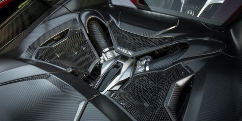 Automotive design, Carbon, Personal luxury car, Leather, Luxury vehicle, Silver, Steel, Car seat, Fiber,