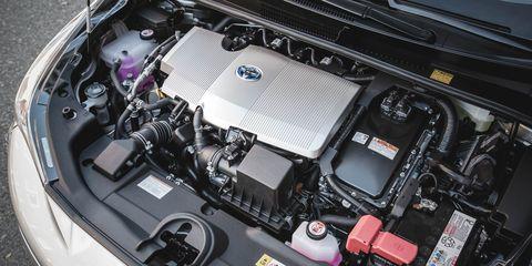 Automotive design, Engine, Automotive exterior, Car, Luxury vehicle, Personal luxury car, Automotive engine part, Bumper, Hood, Automotive air manifold,