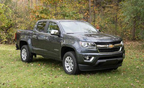 Wheel, Vehicle, Land vehicle, Rim, Pickup truck, Automotive lighting, Headlamp, Landscape, Car, Grille,