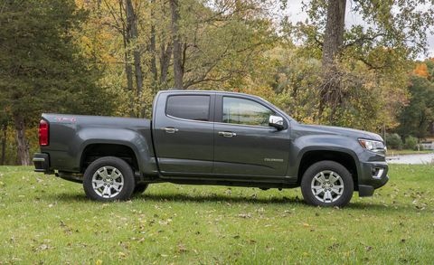 Tire, Wheel, Motor vehicle, Automotive tire, Vehicle, Natural environment, Land vehicle, Rim, Pickup truck, Automotive exterior,