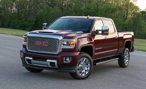 Tire, Motor vehicle, Wheel, Automotive tire, Vehicle, Automotive design, Land vehicle, Rim, Hood, Grille,