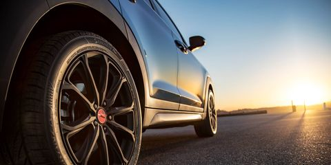 Tire, Wheel, Automotive tire, Automotive design, Alloy wheel, Vehicle, Rim, Automotive wheel system, Spoke, Automotive exterior,