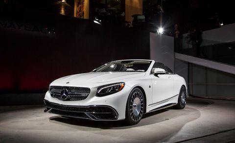 Automotive design, Vehicle, Headlamp, Automotive lighting, Grille, Car, Rim, Alloy wheel, Personal luxury car, Fender,