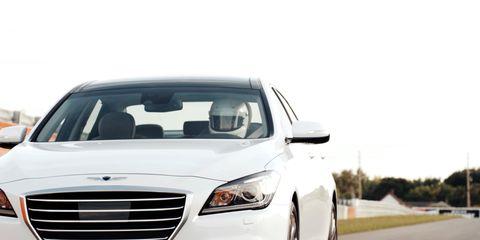 Motor vehicle, Automotive design, Automotive mirror, Vehicle, Land vehicle, Automotive lighting, Transport, Automotive exterior, Headlamp, Grille,