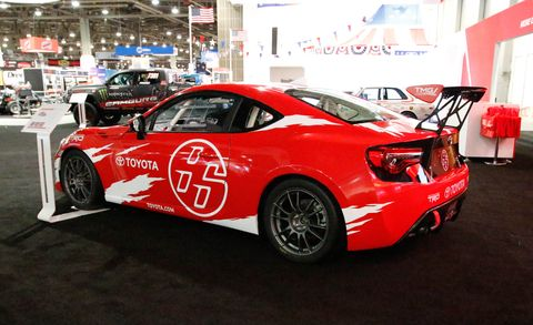 Tire, Wheel, Automotive design, Vehicle, Land vehicle, Car, Performance car, Alloy wheel, Rim, Fender,