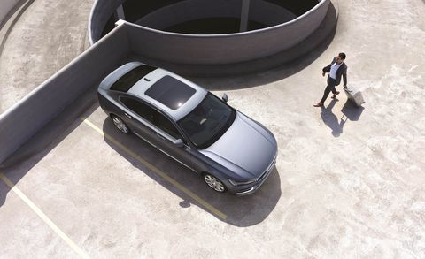 Automotive design, Vehicle, Car, Automotive exterior, Automotive tire, Automotive parking light, Fender, Vehicle door, Rim, Luxury vehicle,