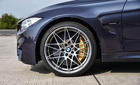 Tire, Wheel, Automotive design, Automotive tire, Vehicle, Alloy wheel, Automotive wheel system, Rim, Automotive lighting, Spoke,