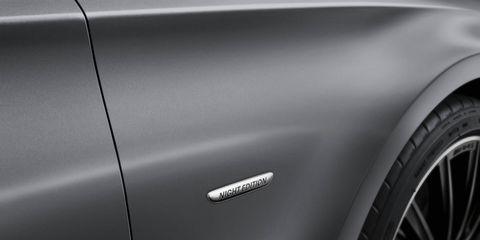 Automotive exterior, Automotive design, Automotive tire, Rim, Fender, Alloy wheel, Automotive lighting, Automotive wheel system, Vehicle door, Tread,