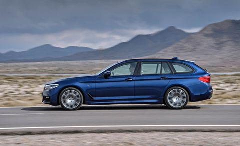 Tire, Wheel, Automotive design, Vehicle, Rim, Mountainous landforms, Mountain range, Automotive tire, Spoke, Car,