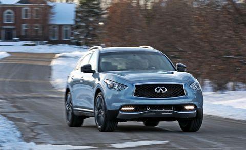 Motor vehicle, Tire, Automotive design, Automotive tire, Vehicle, Headlamp, Automotive lighting, Winter, Grille, Hood,