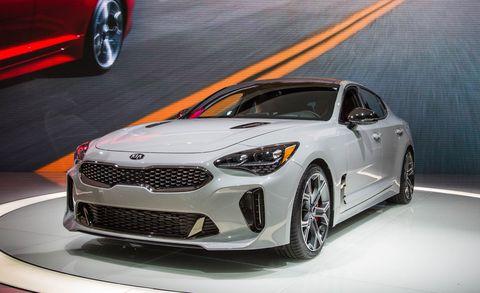 Tire, Wheel, Motor vehicle, Automotive design, Automotive tire, Vehicle, Automotive lighting, Event, Rim, Alloy wheel,
