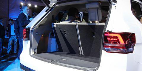 Automotive design, Automotive tail & brake light, Trunk, Automotive lighting, Luxury vehicle, Personal luxury car, Exhibition, Auto show, Concept car, Machine,