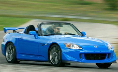 Tire, Wheel, Automotive design, Vehicle, Land vehicle, Hood, Car, Fender, Performance car, Sports car,