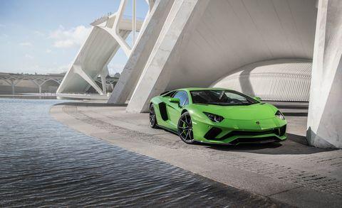 Land vehicle, Vehicle, Car, Supercar, Lamborghini aventador, Automotive design, Green, Sports car, Lamborghini, Yellow,