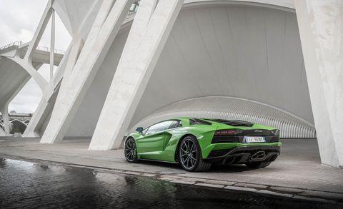 Land vehicle, Vehicle, Car, Supercar, Sports car, Automotive design, Green, Lamborghini, Lamborghini aventador, Performance car,
