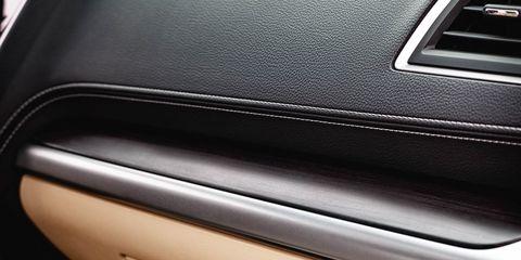 Vehicle door, Leather, Luxury vehicle, Personal luxury car, Baggage, Automotive door part,