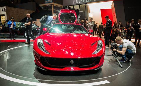 Automotive design, Event, Vehicle, Performance car, Car, Supercar, Personal luxury car, Sports car, Auto show, Exhibition,