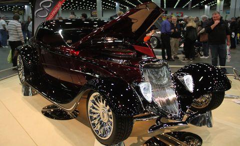 Tire, Wheel, Automotive design, Vehicle, Event, Automotive wheel system, Auto show, Exhibition, Automotive tire, Personal luxury car,
