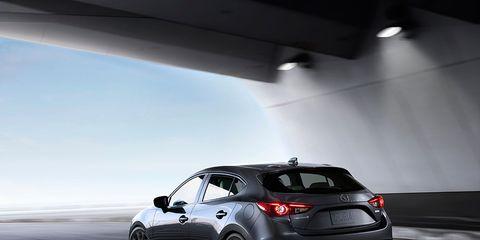 Tire, Wheel, Automotive design, Vehicle, Automotive lighting, Car, Rim, Automotive mirror, Automotive exterior, Alloy wheel,