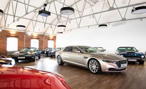 Land vehicle, Vehicle, Car, Automotive design, Personal luxury car, Luxury vehicle, Executive car, Mid-size car, Auto show, Car dealership,
