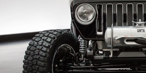 Land vehicle, Tire, Vehicle, Car, Automotive tire, Bumper, Automotive exterior, Wheel, Rim, Tread,