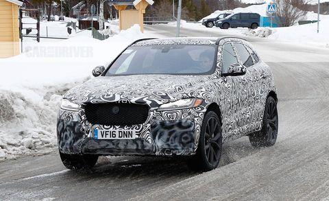 Land vehicle, Vehicle, Car, Luxury vehicle, Automotive design, Mid-size car, Personal luxury car, Bmw, Crossover suv, Snow,