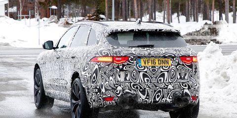 Land vehicle, Car, Vehicle, Automotive design, Snow, Mid-size car, Sport utility vehicle, Tire, Automotive tire, Audi,